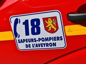 Les pompiers de Villefranche-de-Rouergue et de Rieupeyroux sont intervenus.