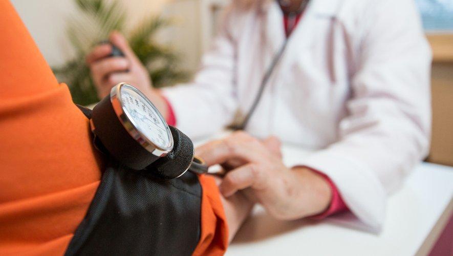 Le logiciel a obtenu 81% de bonnes réponses à son premier essai, alors que la note moyenne obtenue par les futurs médecins ces cinq dernières années s'établit à 72%, selon Babylon.