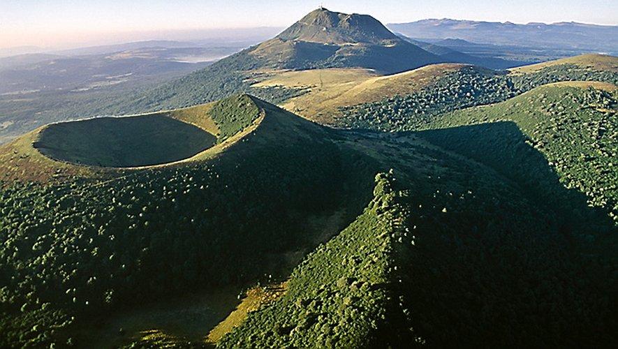 La chaîne des Puys inscrit son nom au patrimoine de l'Unesco.
