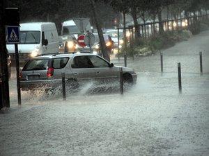 Pluie, routes mouillées : accidents en série en Aveyron