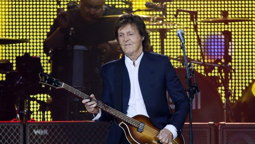 L'ex-Beatles Paul McCartney lors d'un concert au Stade de France le 11 juin 2015