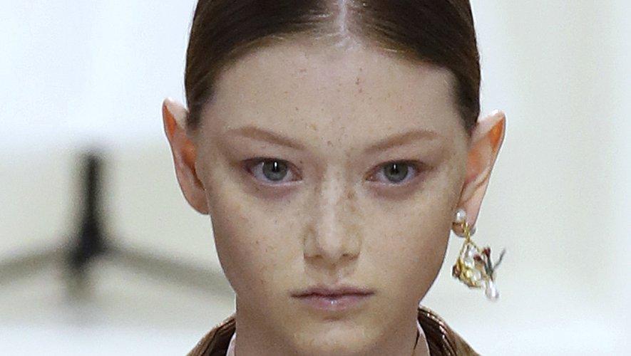 Sourcils discrets chez Dior