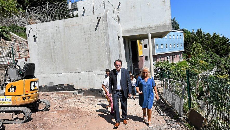 Christian Teyssèdre et Geneviève Campredon,  vice-présidente du CIAS.800 000 € sont investis dans l'opération.J.A.T.