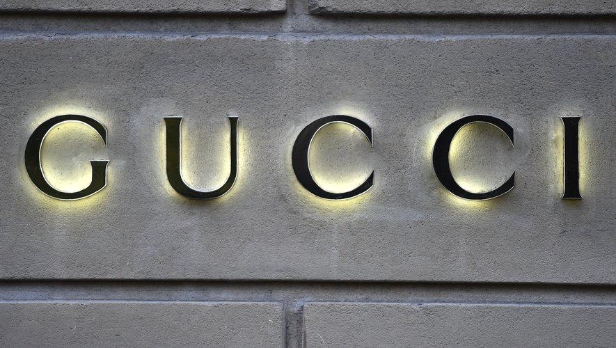 Net-a-porter et Gucci s'associent autour d'une ligne de prêt-à-porter pour enfants.