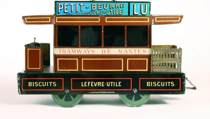 """""""Boîte-jouet Tramways de Nantes"""" de Firmin Colas et Louis Lefèvre-Utile, 1894  Estimation : 3 000-4 000 €"""
