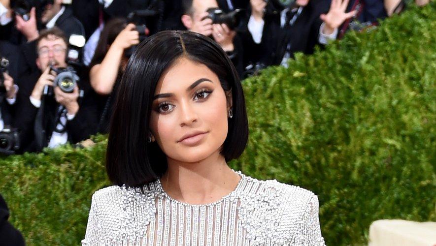 Kylie Jenner a amassé une fortune de 900M$ grâce à sa marque de make-up Kylie Cosmetics
