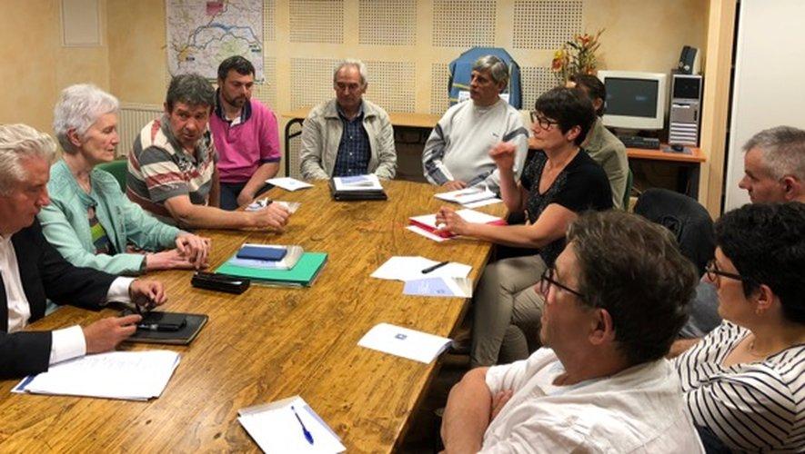 La réunion a permis d'échanger sur plusieurs dossiers majeurs pour la commune.