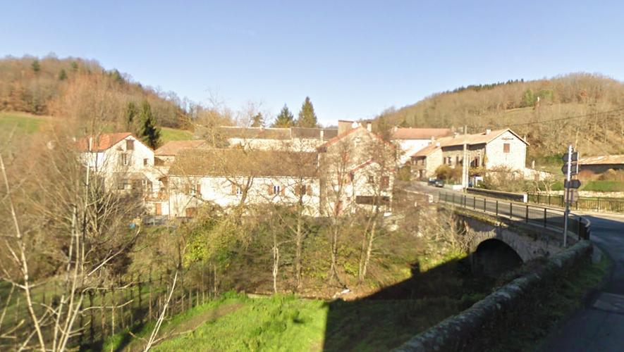 Trois cyclistes percutés par une voiture dans le Sud-Aveyron