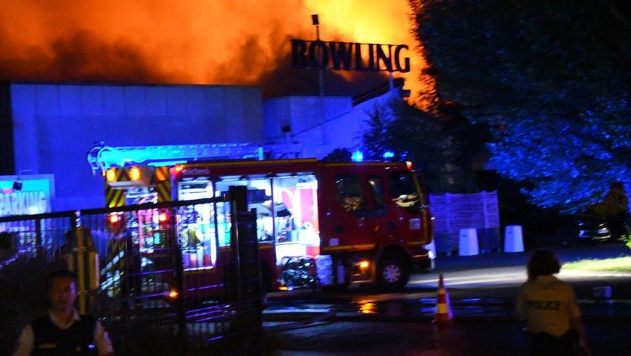 L'incendie s'est déclaré peu avant  3 heures dans la nuit de dimanche à lundi.