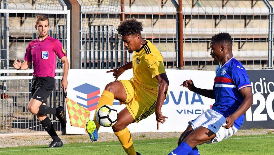 Premier match officiel et premier but sous les couleurs ruthénoises pour Dorian Caddy.
