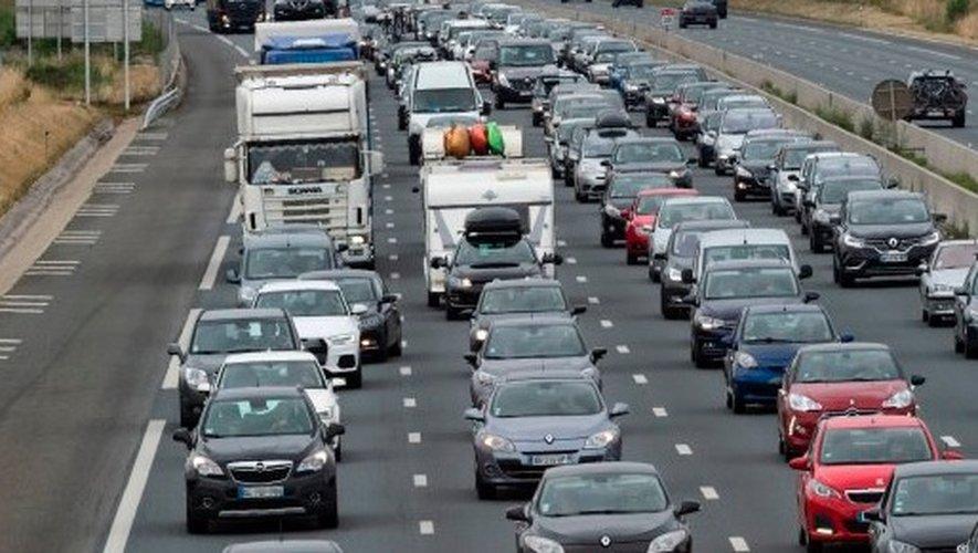 Journée noire sur les routes, un record de 67 départements sous la canicule