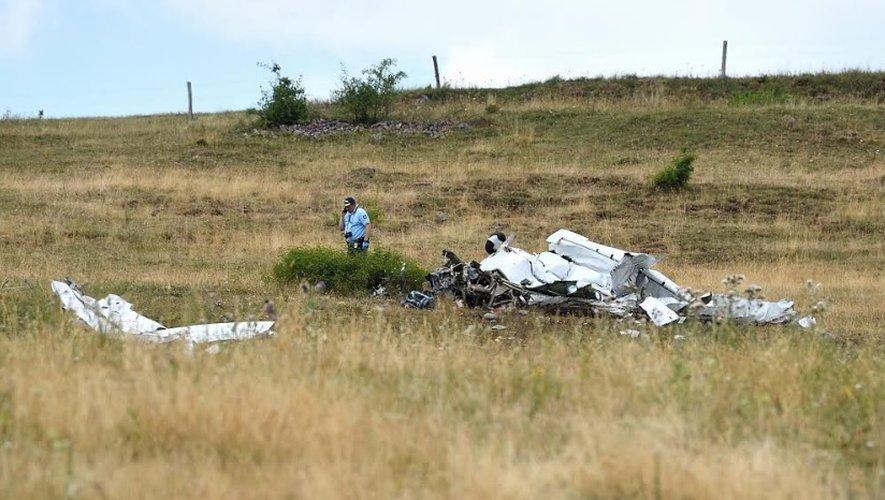 L'avion s'est écrasé ce lundi vers 12 h 30 dans un champ sur la commune de Mazoires dans le Puy-de-Dôme.