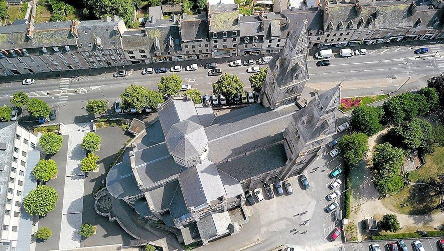 Rodez : le Faubourg et Layoule vus du ciel