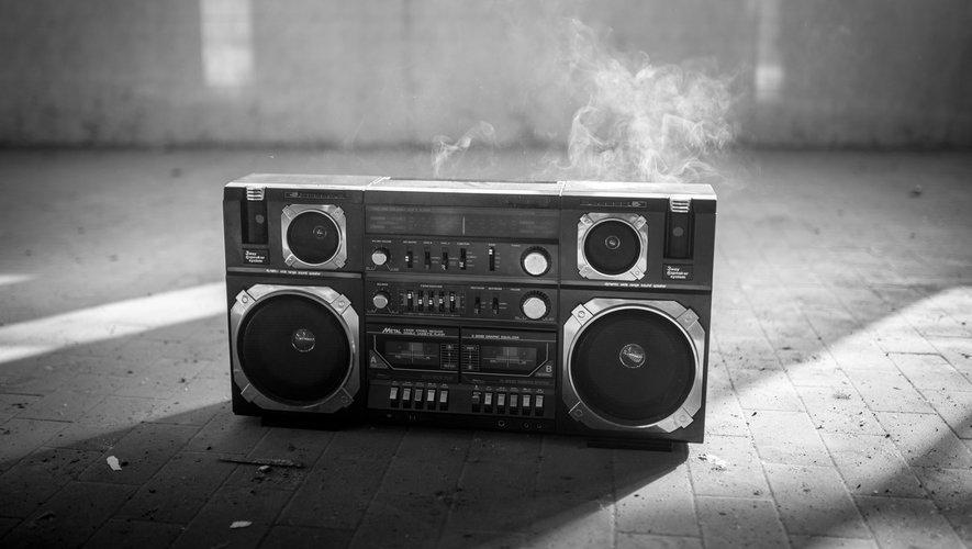 La musique drill, proche du gangsta rap, est apparue au début des années 2010 à Chicago.