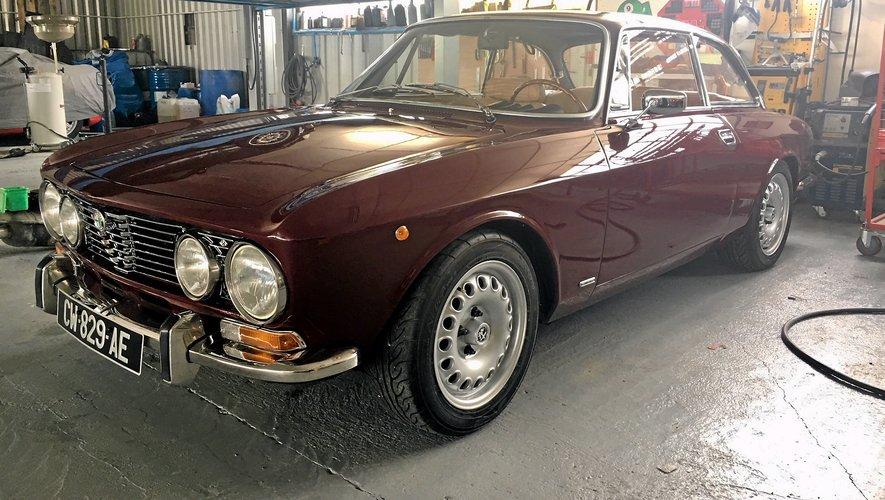 Les magiciens  de MAJ restaurent la nostalgie Un coupé Alfa pour symboliser l'aventure Sur Auto-Moto (TF1)  en septembre