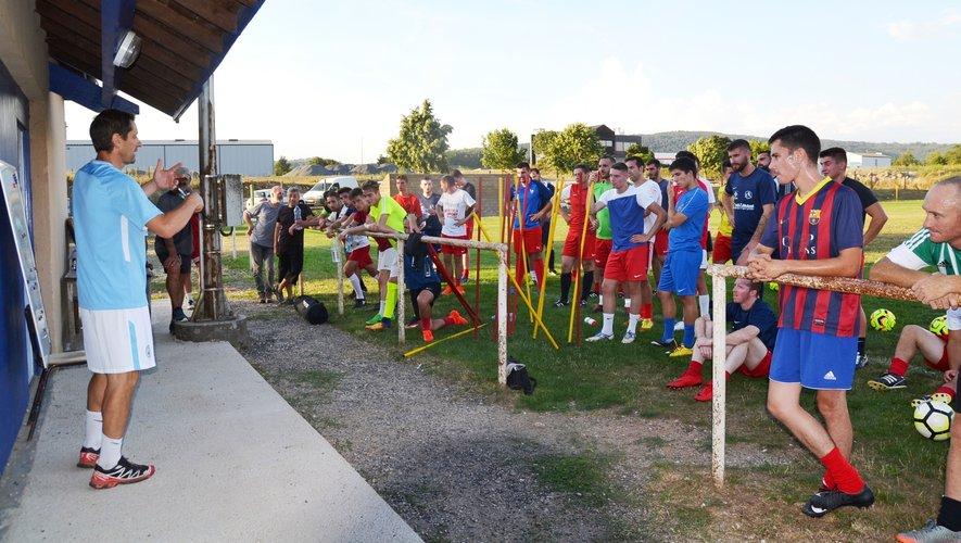 Le nouveau club des Sources de l'Aveyron en ordre de marche