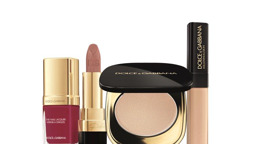 """Quatre essentiels de la collection de maquillage """"Glow in Rome"""" de Dolce & Gabbana pour l'automne 2018."""