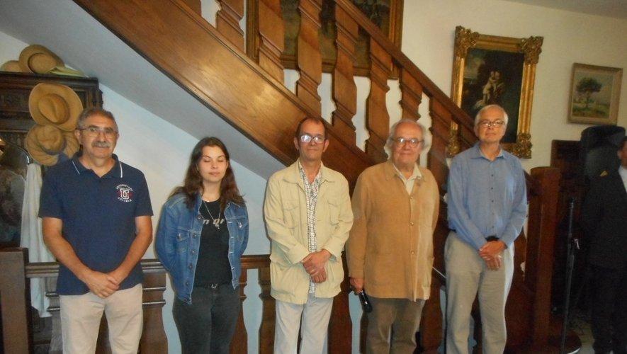 Les lauréats avec Jean-Paul Desprat.
