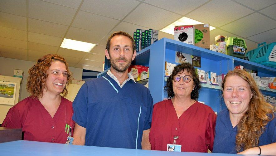 Julien Rey et son équipe pratiquent « pratiquement chaque jour » une opération de stérilisation.