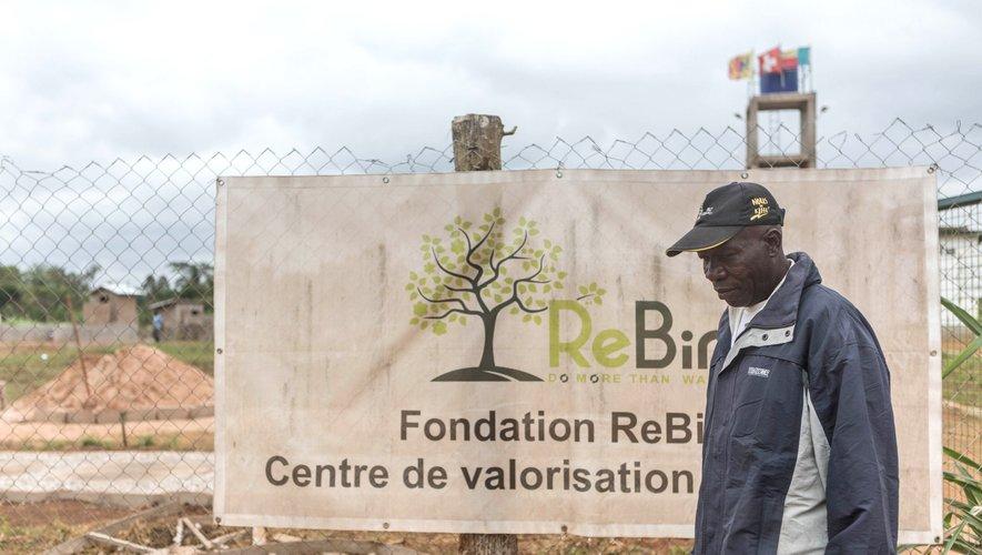 Le marché de Houègbo est l'un des plus fréquentés du pays et la mairie affirme que plus d'une tonne de déchets d'ananas pain de sucre est générée tous les jours.