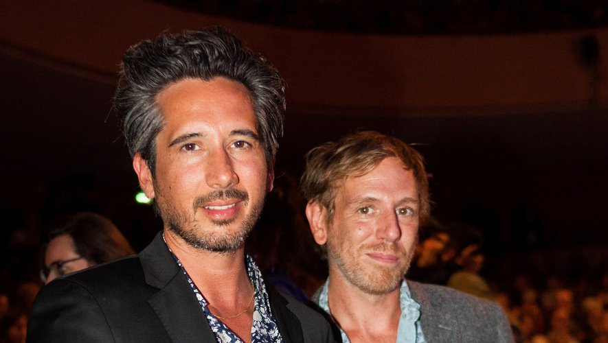 """Le producteur Gregoire Debailly et le réalisateur Jean-Bernard Marlin (L) ont reçu trois prix celui du meilleur film pour """"Sheherazade"""" au Fetsival du film francophone d'Angoulême"""