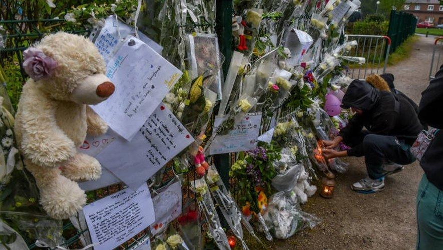 Fleurs, bougies, messages sur un mémorial improvisé pour Angélique, le 29 avril 2018.