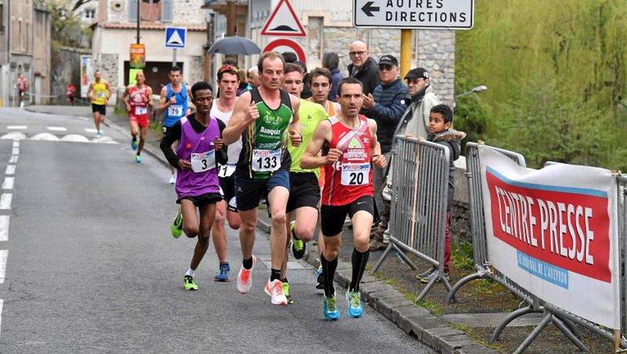 Simon Dubocage, ici en dernière position à Villefranche lors de la dernière manche, débarque à Druelle en leader du challenge.