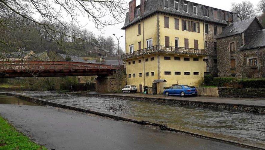 Les précipitations de ces dernières heures ont gonflé les cours d'eau de l'Aveyron (Photo archives CPA).