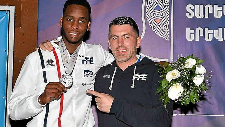 Samuel Jau (à droite) à Erevan, en compagnie du Ruthénois Aymerick Gally, vice-champion d'Europe chez les U23.