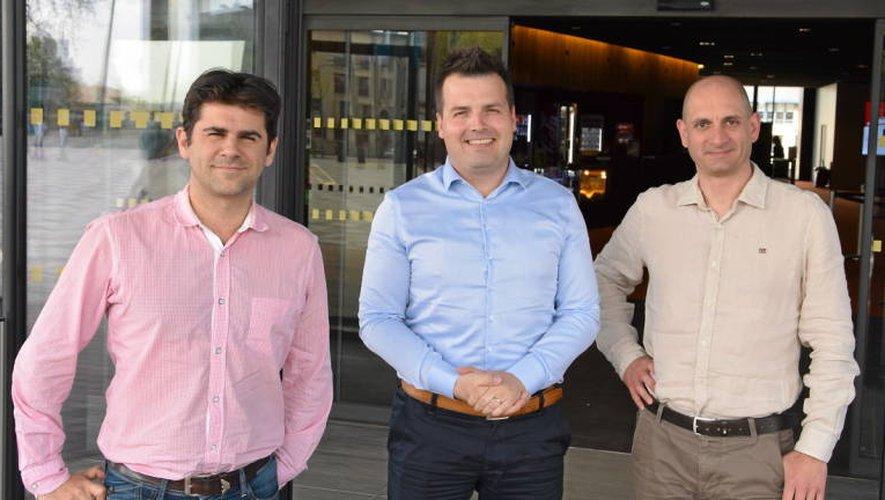 Yann Marie (à droite) et Franck Basset, respectivement directeur et directeur adjoint du CGR Rodez, entourent Alexis Maljean, directeur régional Sud-Ouest.Rui Dos Santos