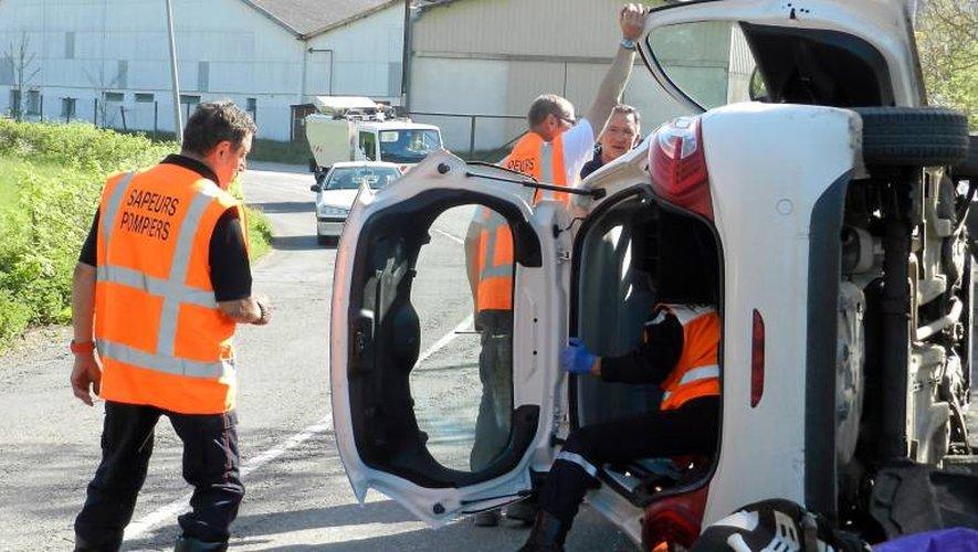 Deux blessés dans une collision spectaculaire à Villefranche-de-Rouergue