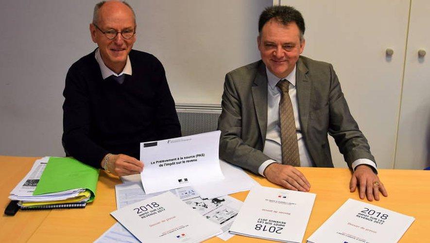 Alain Defays, directeur départemental des Finances publiques de l'Aveyron (à gauche), et Jean-Luc Canouet, directeur du Pôle fiscal.