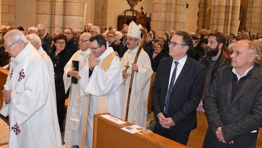Près de 600 fidèles ont assisté à l'office religieux inaugural.