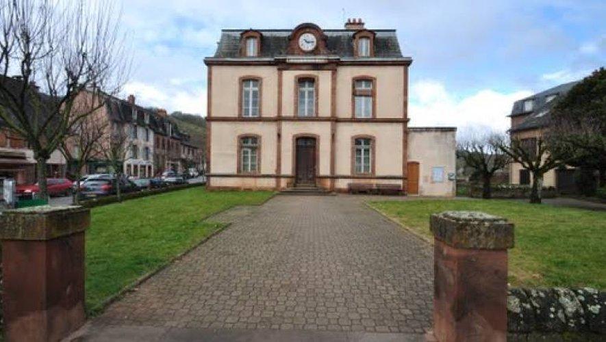 L'adolescent a été abordé mardi soir devant la mairie de Marcillac.