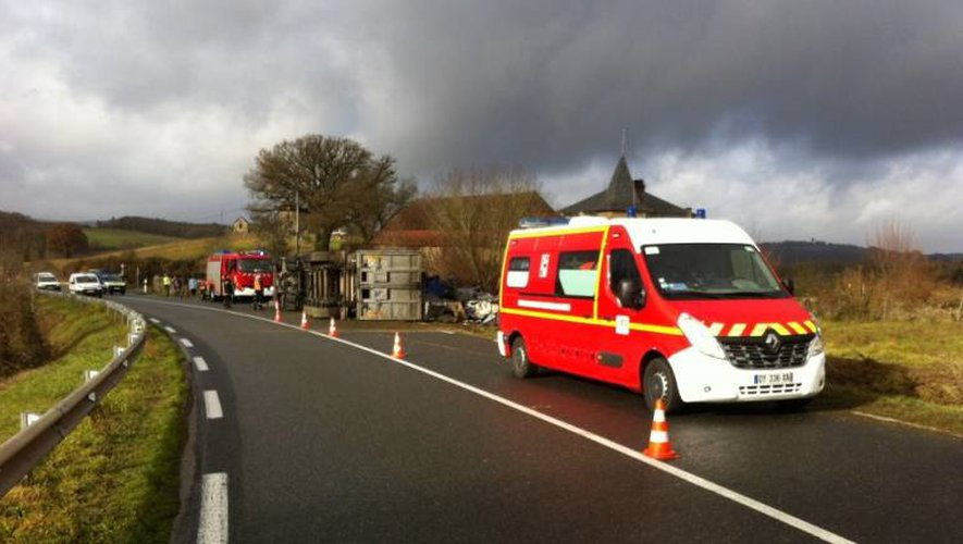 L'accident s'est produit à la sortie d'une route sur la RD922.