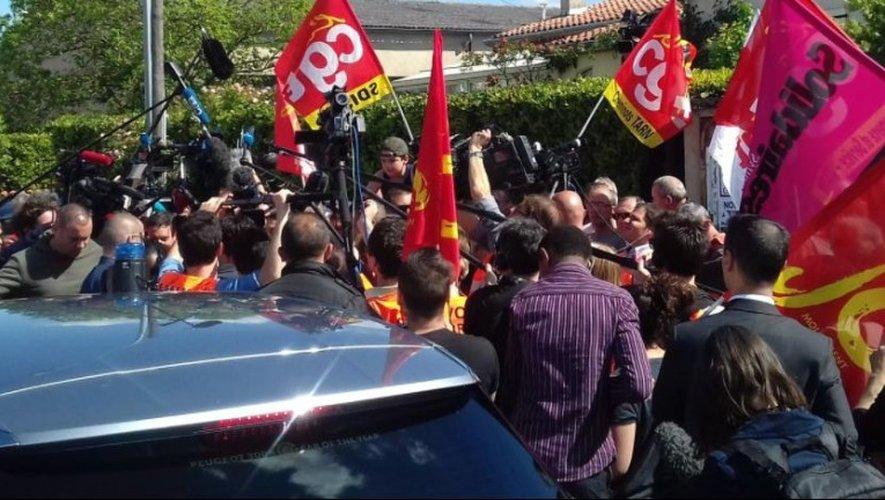 VIDEO : Macron chahuté à Albi avant son passage à Rodez