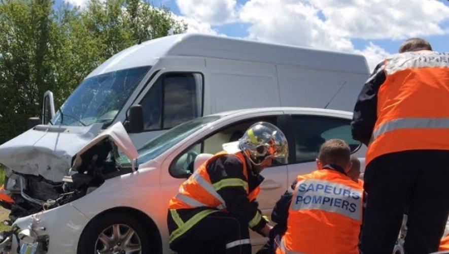 Les sapeurs-pompiers de l'Aveyron étaient sur place en début d'après-midi.