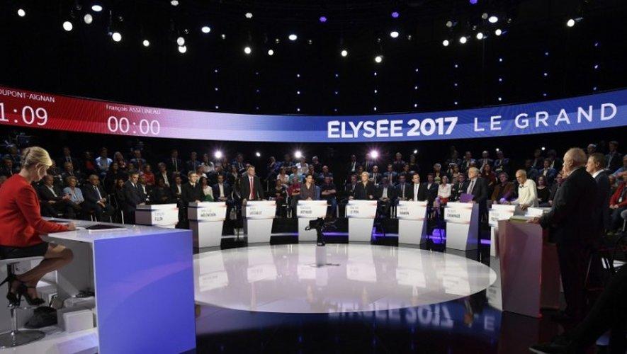 Présidentielle : le débat des onze candidats secoué par l'entrée en jeu des «petits»
