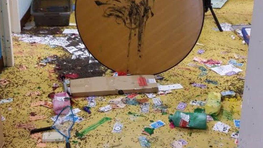 Les dégâts sont nombreux dans l'ancienne école.