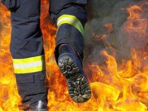 Une maison détruite par les flammes à Clairaux-d'Aveyron, l'occupant hospitalisé