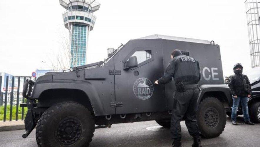 Une patrouille Sentinelle attaquée à Orly, l'assaillant abattu : ce que l'on sait
