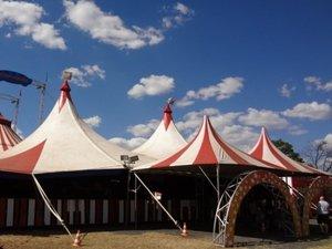 Un acrobate se tue à Villefranche : la famille du cirque en deuil