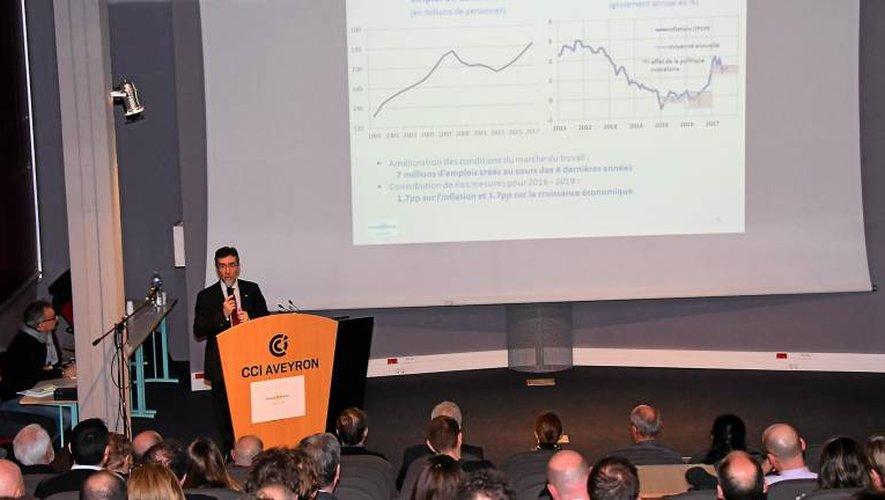 Le directeur départemental de la Banque de France devant les acteurs économiques réunis à la CCI.
