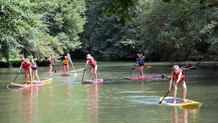De jeunes pagayeurs se sont jetés à l'eau pour cette première journée d'initiation.