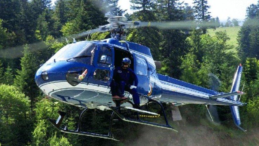 Un hélicoptère de la division aérienne d'Égletons (Corrèze) était venu en renfort.