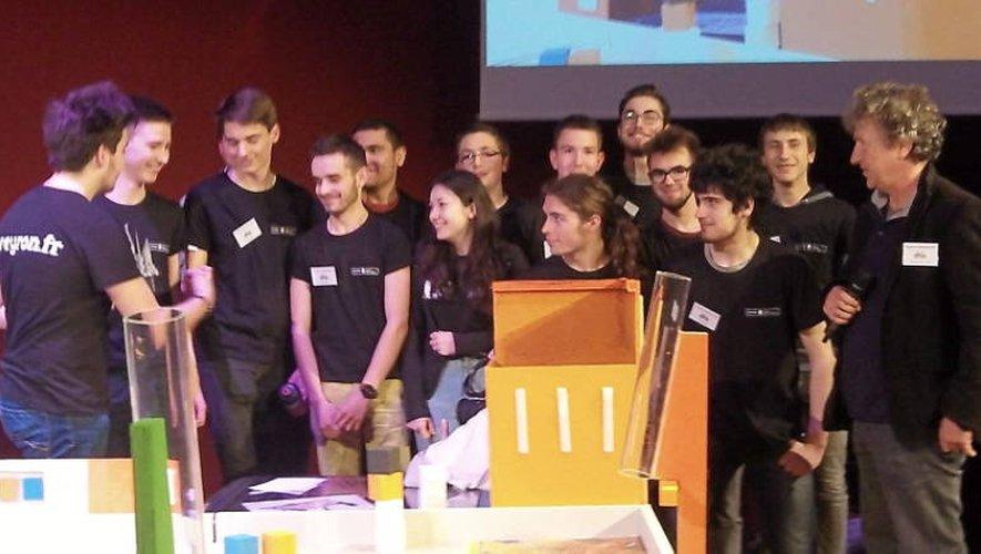 Les lycéens ont bichonné leur robot durant toute la compétition... avec succès!