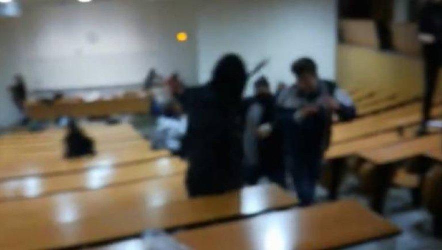 Capture d'écran des scènes de violence diffusées sur les réseaux sociaux.