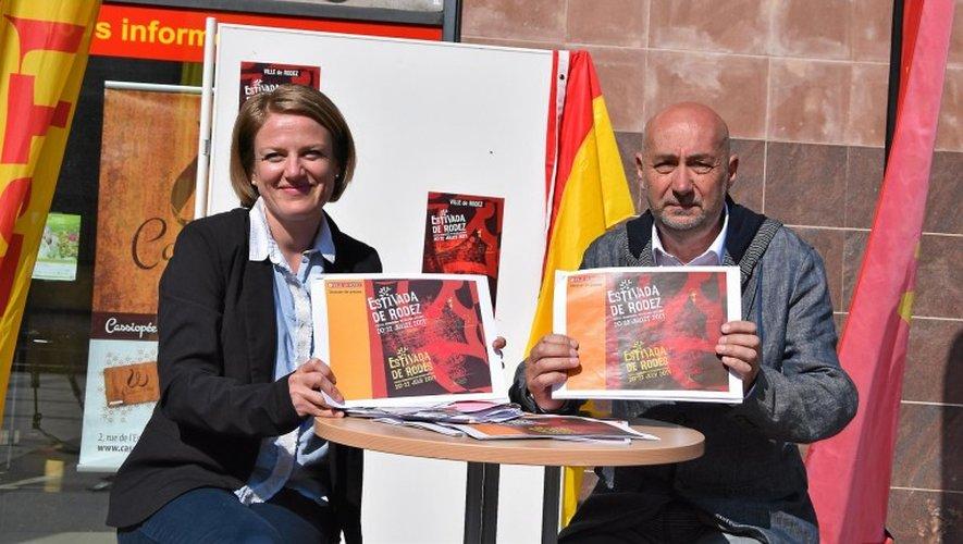 Sarah Vidal et Francis Fournié ont présenté le programme sous le soleil, place Raynaldi.