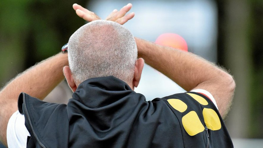 Le coach ségali Jérôme Broseta a de quoi être désabusé. Les siens ont enregistré hier une des plus lourdes défaites du club.