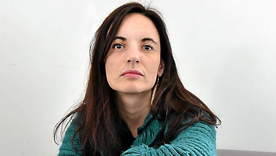 Clémentine Saintoul Colombres présentera «La voyageuse», une pièce de théâtre dont elle a écrit le texte et assuré la mise en scène, vendredi 23mars à Rieupeyroux (Photo Jean-Louis Bories)